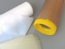 Folien: für technische Anwendungen als Bogenware oder in Rollen z. B. aus Polyamid, PTFE, Hart- und Weich-PVC, Polyester